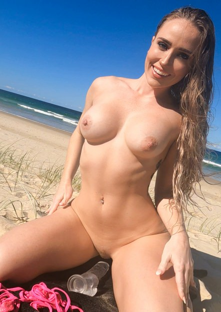 Public Anal Bikini Stuffing & Squirting