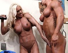 Female Muscle Lesbians