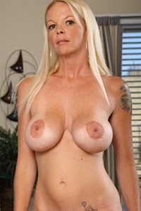 Leah Lust