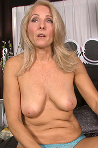 Chery Leigh