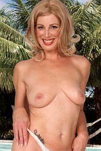 Liz Summers