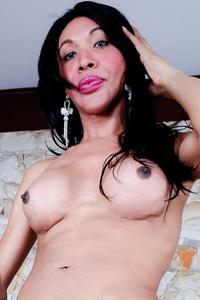 Taina Oliveira