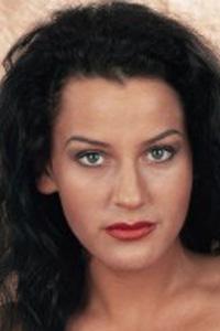 Angela Ambrus