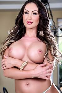 Yasmin Scott