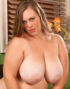 Analee Sands