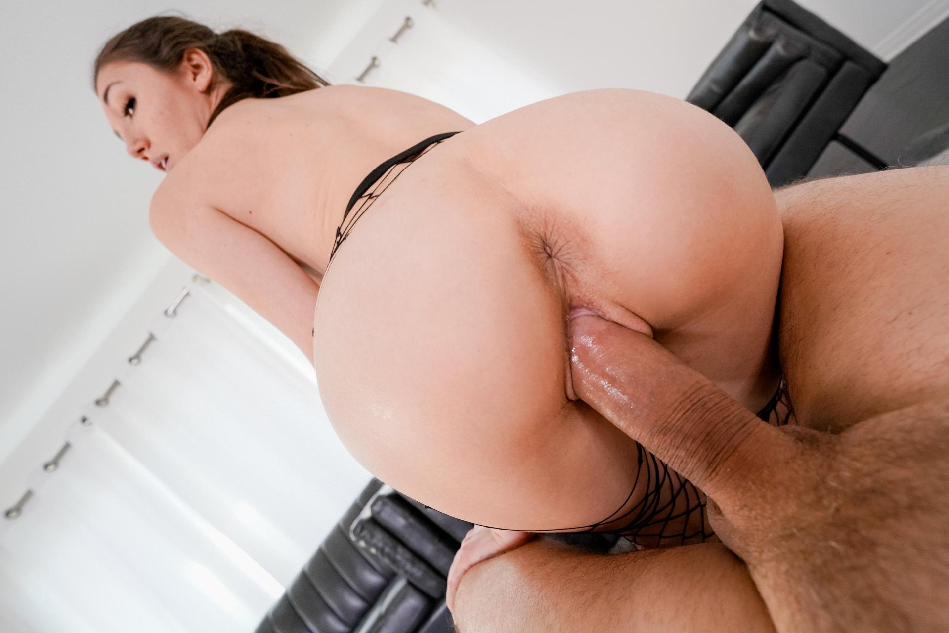 Maya Woulfe: Big-Cock Pussy Pounding