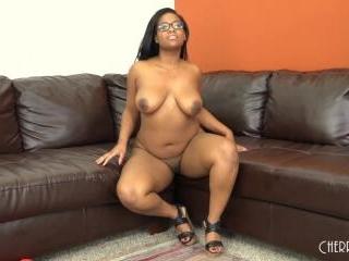 Ebony Babe Monique Fucking LIVE