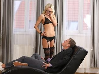 Blonde Victoria Pure fucks on leather chase