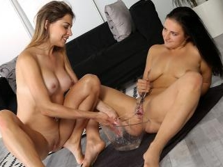 Vipissy - Paulina treats her maid to some lesbian