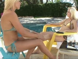 Ava Delane and Odette Delacroix fingers and squirm