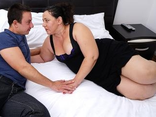 Chubby mature lady doing her toy boy