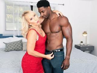 Sandy\'s surprise: a big, black cock to fuck!