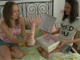 Teen Dreams > Laura & Ilina Video