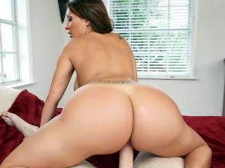 Vanessa Luna\'s Sweet Ass