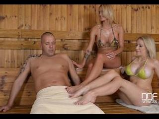Happy Feet in Hot Sauna: Busty Blondes Massage Har