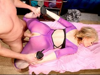 Experienced slut gets great load from young stud