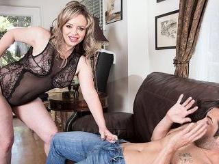 Mallory Taylor\'s first porno movie