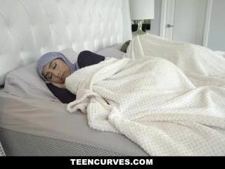 Childbearing Hijab Hips