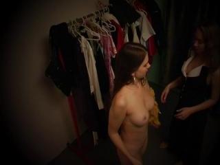 Nude bimbo in the checkroom!