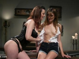The Little Pleaser: Zoe Sparx Submits to Sexy Neig