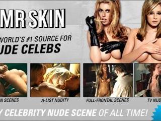 Gillian Anderson - Brief Nudity