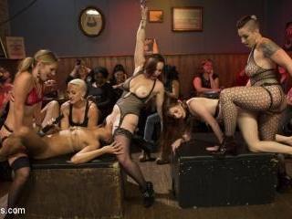 Dyke Bar LIVE!!!