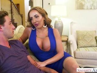 My Friend\'s Hot Mom - Richelle Ryan & Lucas Frost