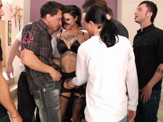 Bonnie Rotten coated in facials in a blowbang
