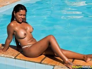 Exotic Seductress
