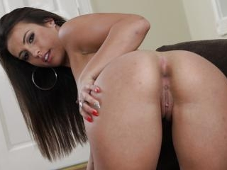 Kelsi Monroe Learns What It Takes To Be A Star