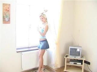Teen Dreams > Jana (Behind Scenes) Video