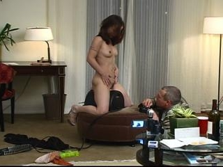 Tom Sizemore trys out sybian on horny slut