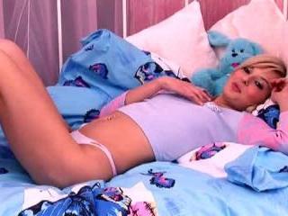 Teen Dreams > Lauren Video