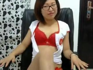 Chinese hottie displays tight body