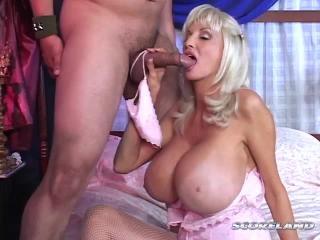 Dee Dee Deluxx in Tit Attack