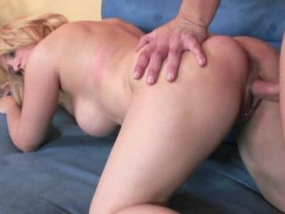 Curvy blonde wife Sophia Mounds gets her mature tw