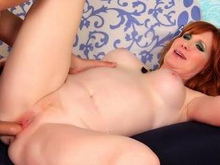 Freya Fantasia - Redheaded MILF Freya Fantasia get