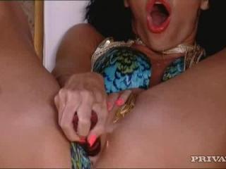 Aliz in Very horny bitch