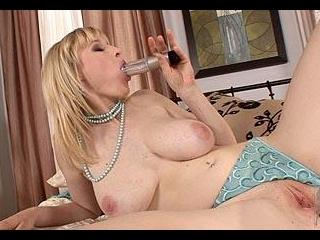 Big tit babe pumps that pussy!