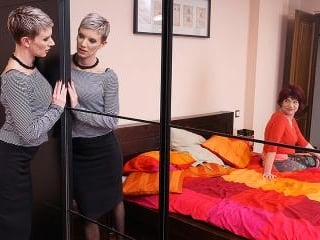 Two naughty housewives getting full lesbian