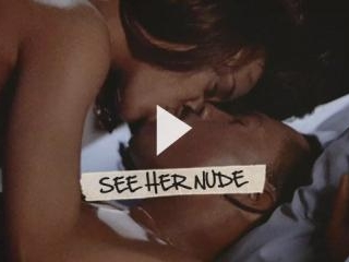 Robin Givens gives us a great look at her abs and