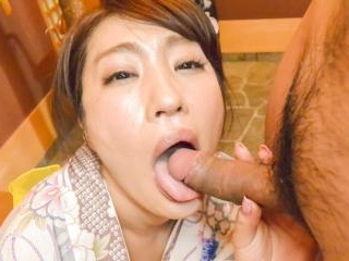Wife Ryouka Shinoda kneels to suck this guy\'s dick