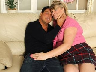 Chubby housewife fucking and sucking on her couch