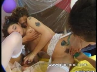 Ally Mac Tyana Mathilda  : Funny lesbian video wit
