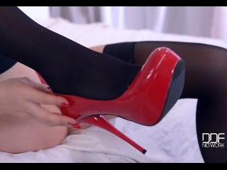 Sweet Surprise: Foot Fetish For Tootsie Lovers