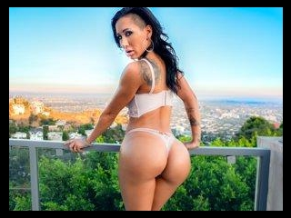 Model Amia\'s Hollywood Mansion Fuck