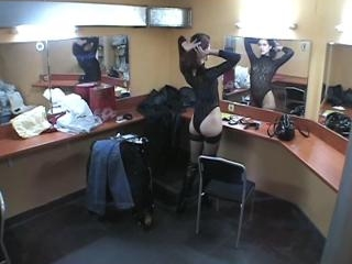 Delicious lady posing before the mirror!