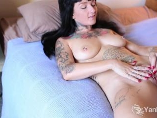 Monte Cooper Lifts Her Hips Deliciously