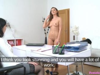 Hot Models First Taste of Wet Pussy
