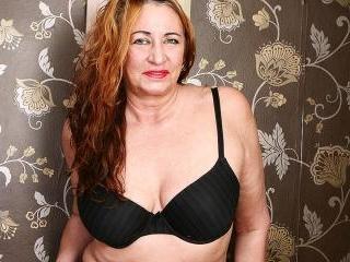 British mature lady feeling a bit naughty